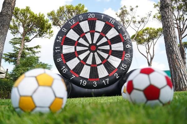 Gonfiabili sportivi a tema calcio in affitto per feste ai centri sportivi